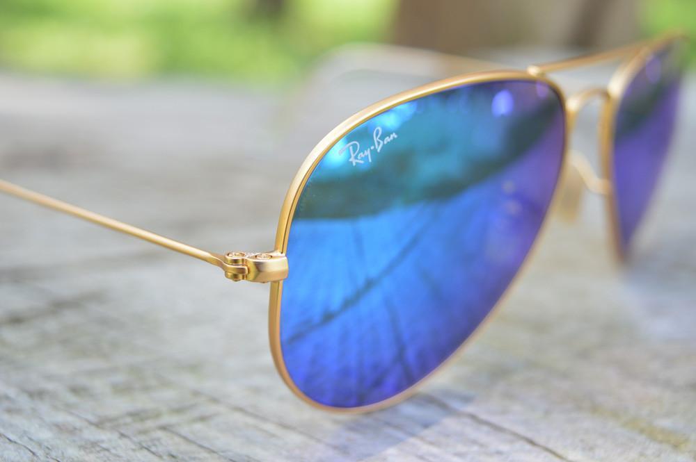 d228ad7f6 Óculos Ray-Ban Aviador RB3025 dourado fosco lente azul espelhada tamanho 58