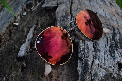 a49c6aa138d6a Óculos Ray-Ban Round RB3447 metal bronze bege redondo com lente espelhada  vermelha ...