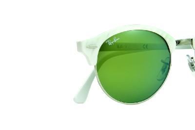 5e1a0b5dd ... Óculos de Sol Ray-Ban RB4246 Clubround branco perolizado com metal  prata e lentes espelhadas